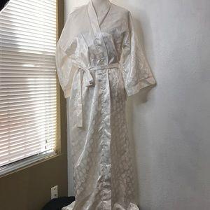 Other - Polka dot kimono robe